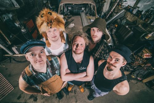 Steve 'N' Seagulls – Farm machine